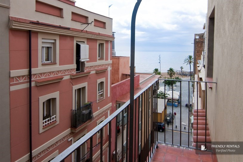 Lowest Floor Elevation Inspection : The hypatia apartment in barcelona on beach