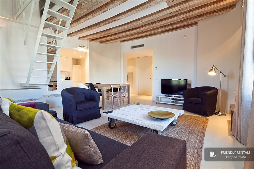 The Palace XI Apartment in Barcelona