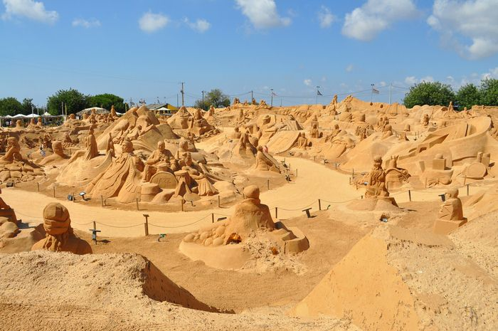 Impressive sand sculptures in the Algarve