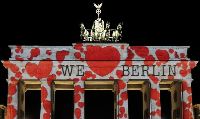 Berlin lights up: The Festival of Lights 2012