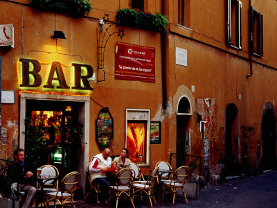 Exploring the clubs and bars in Rome